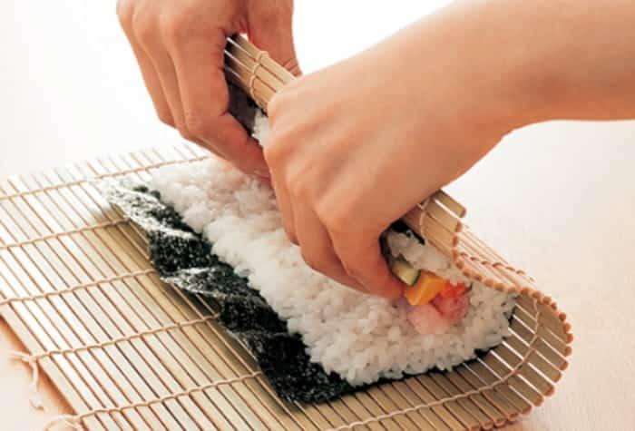 巻き寿司 巻き方
